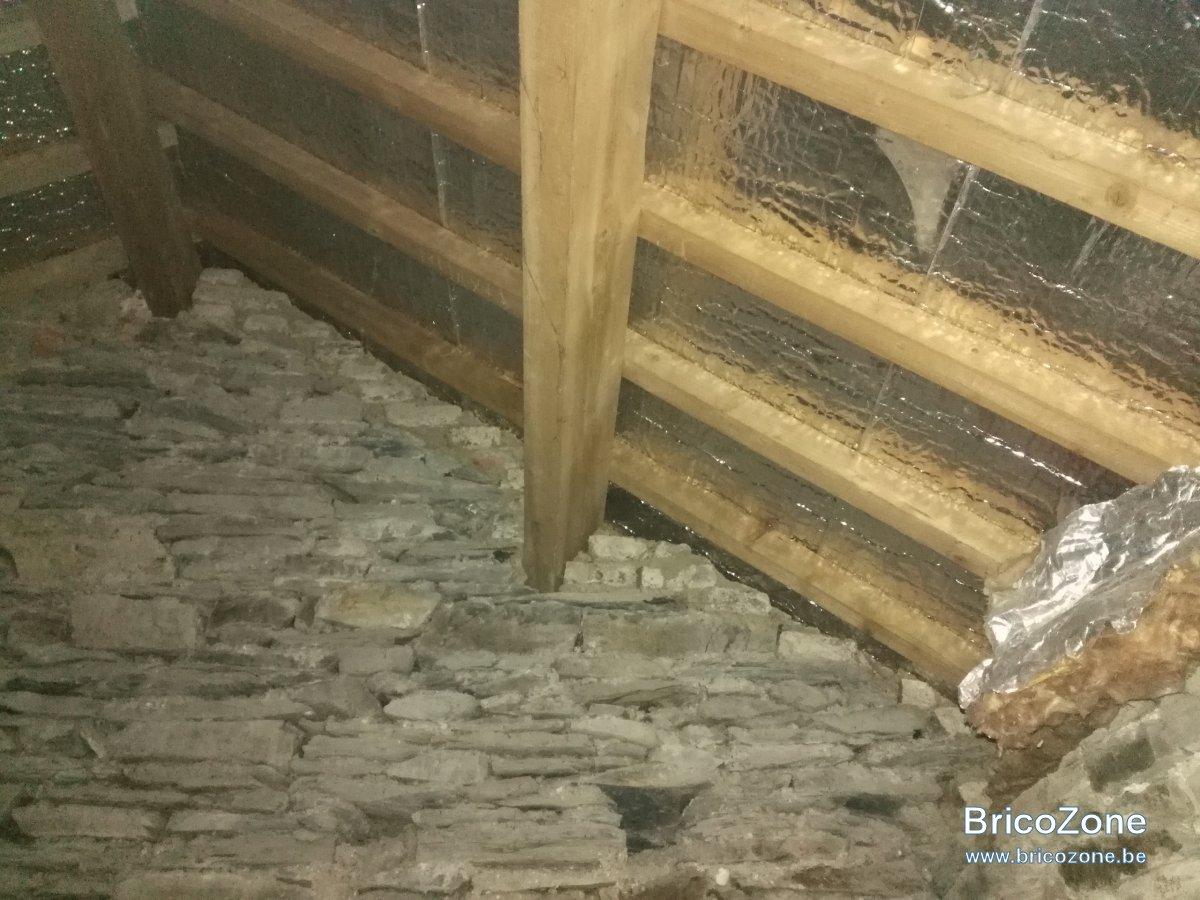 Isolation de sous toiture emplacement pare vapeur - Pare vapeur toiture ...