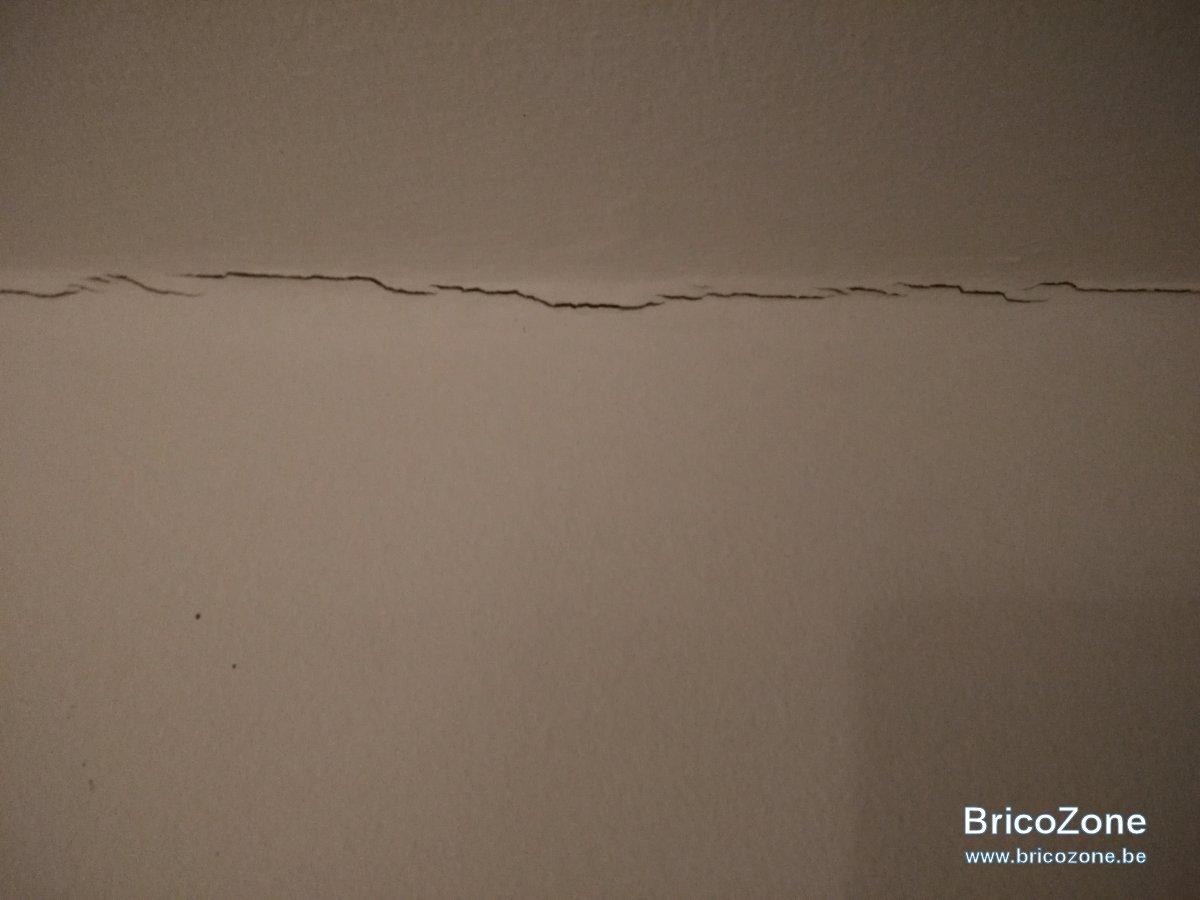 joint gyproc plafond mur plafonnage. Black Bedroom Furniture Sets. Home Design Ideas