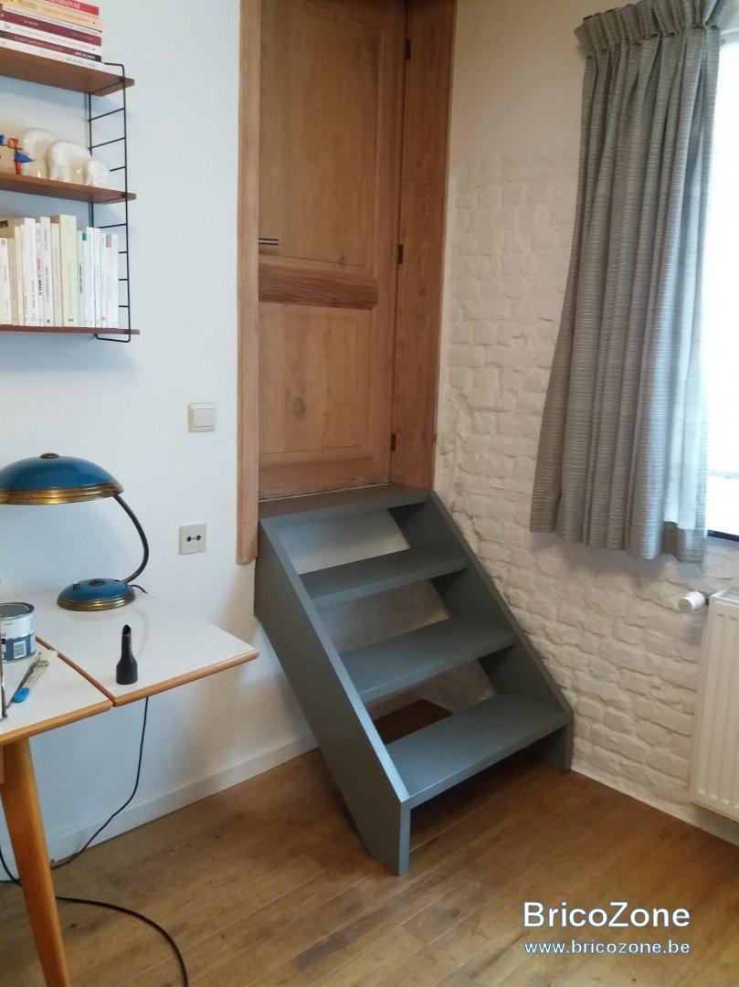 pose escalier droit 4 marches. Black Bedroom Furniture Sets. Home Design Ideas