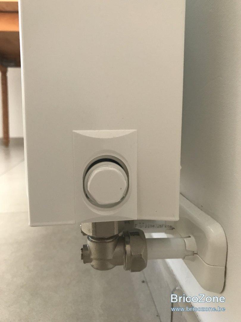 comment dmonter un radiateur chauffage gaz comment dmonter un radiateur chauffage gaz with. Black Bedroom Furniture Sets. Home Design Ideas