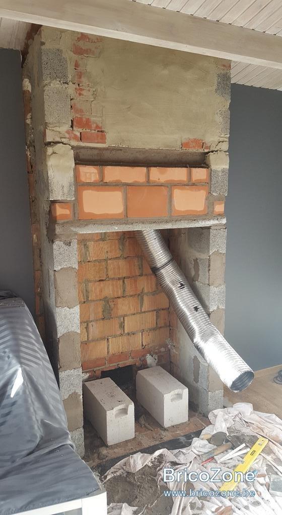 Tubage et pose d 39 un insert bois for Pose insert cheminee normes