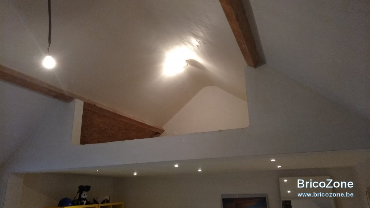 Coffre De Rangement Sous Pente meuble sous pente de toit : des idées ?