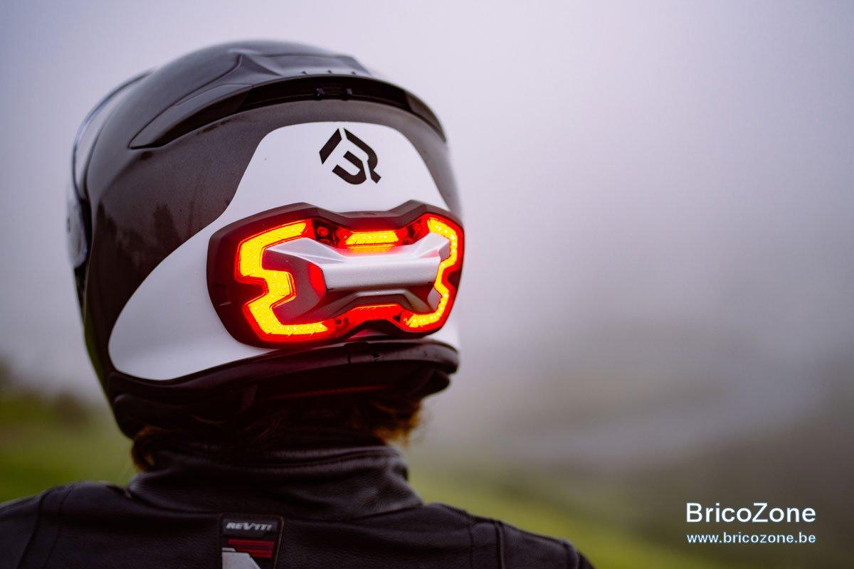 feu-stop-autonome-casque-brake-free_hd[1].jpg
