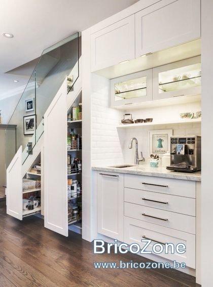 cuisine-sous-escalier-7_6055804.jpg