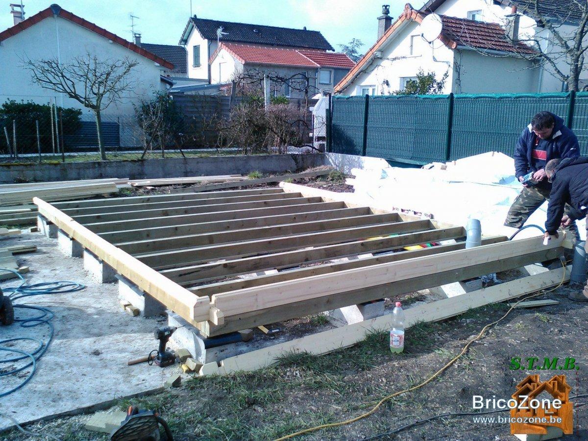 Construire Plancher Abri De Jardin aide pour fondations abri de jardin sur vis