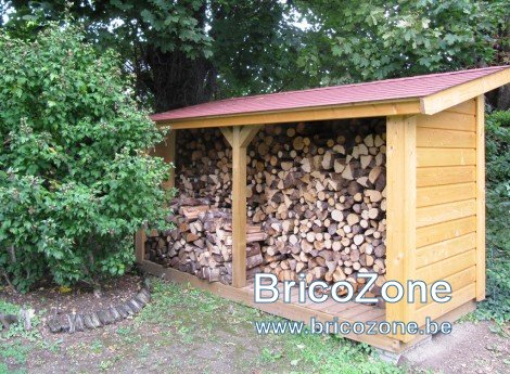 comment-construire-abri-bois-de-chauffage-combustibles-gruchy.jpg