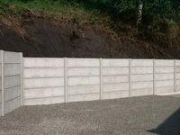 Soutenir une clôture en béton ???