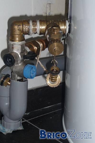 Mon boiler se remplissait par le circuit d'eau chaude à cause du mitigeur de douche