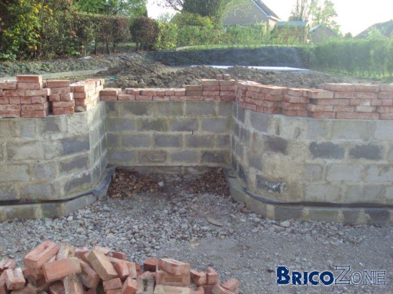 Escalier ext rieur en bloc de beton de fondation 19 29 39 for Coffrage pour escalier exterieur beton