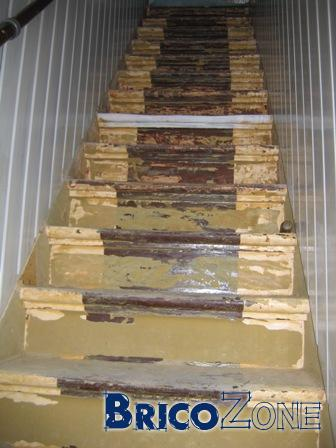 Sablage de mon escalier - Vitrifier un escalier en bois neuf ...