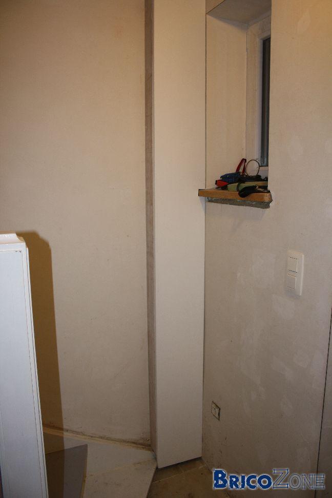 caissons pour cacher tuyaux. Black Bedroom Furniture Sets. Home Design Ideas