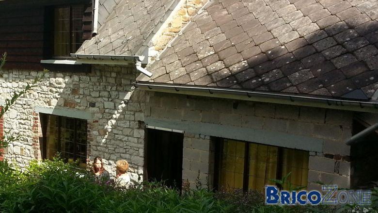 Uniformiser la facade d'une maison en pierre de grès