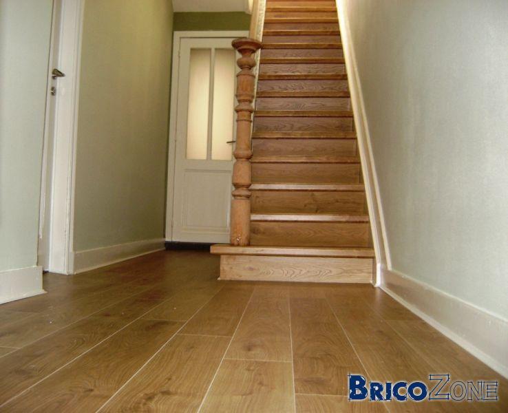idee peinture cage escalier pour donner un coup de peps une dco with peinture montee escalier. Black Bedroom Furniture Sets. Home Design Ideas