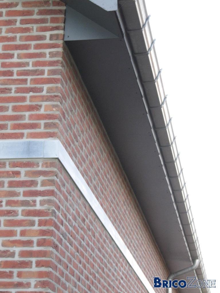 Plafond du d passant de toiture - Plafond du livret a la poste ...