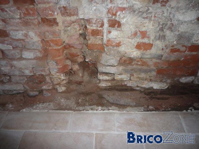 Rejointoyer vieux mur avant isolation - Isolation mur interieur humide ...
