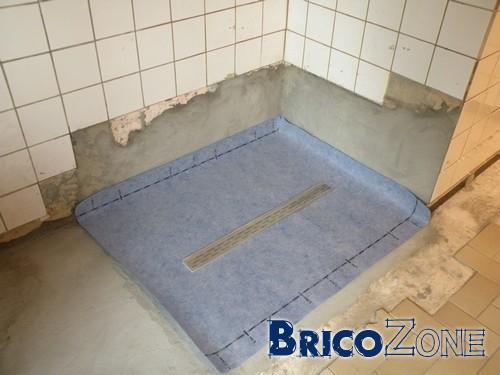 etanch it joints de carrelage dans une douche. Black Bedroom Furniture Sets. Home Design Ideas