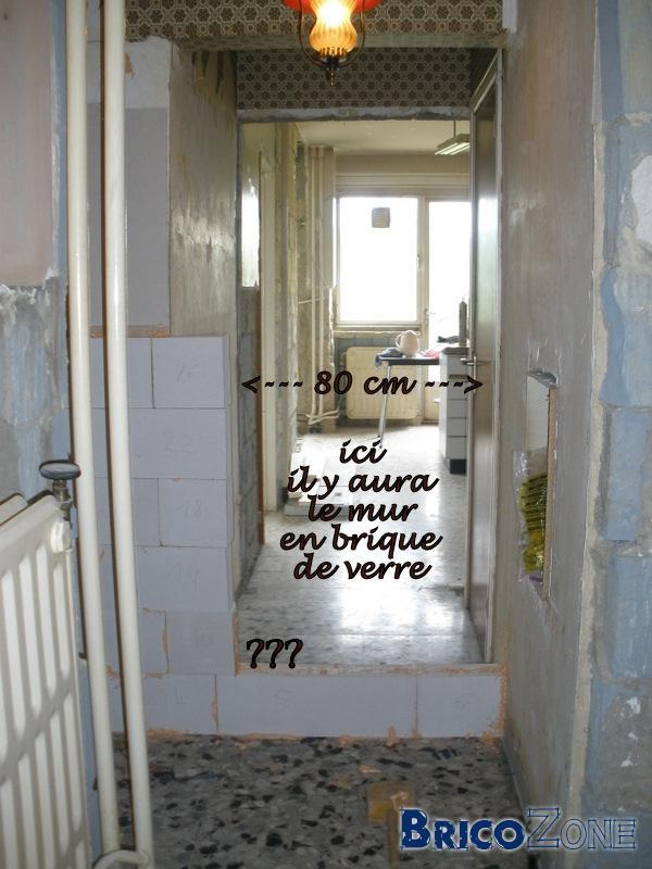 mur de verre dans douche
