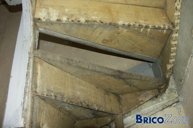 Escalier ancien r parer - Reparer porte en bois enfoncee ...