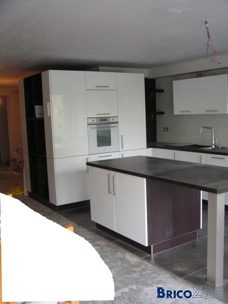 cuisine peinture pour les murs et fermeture plafond help. Black Bedroom Furniture Sets. Home Design Ideas