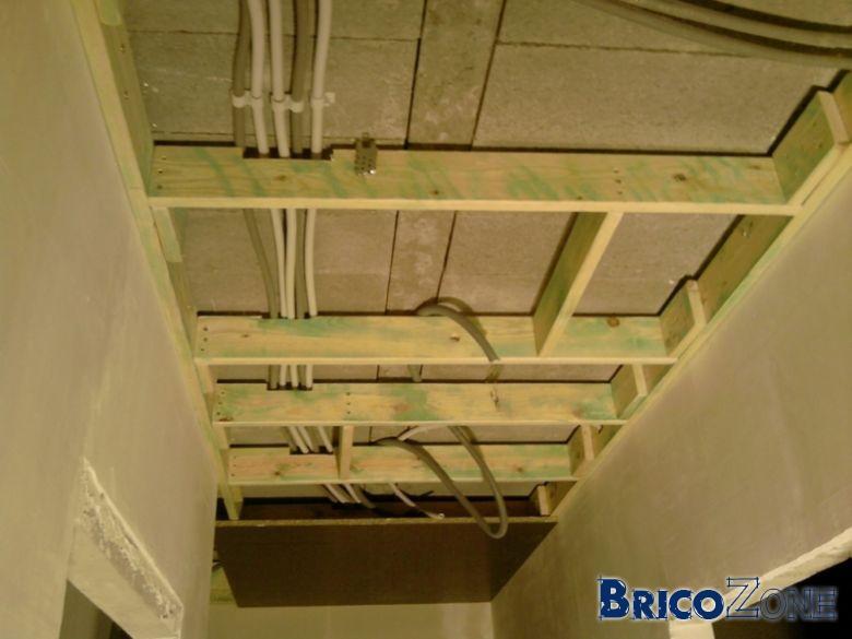 Faux plafond dans cuisine for Faux plafond en plastique