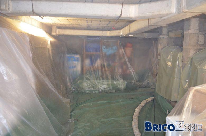 isolation de la coulisse et du plafond de la cave photoreportage. Black Bedroom Furniture Sets. Home Design Ideas