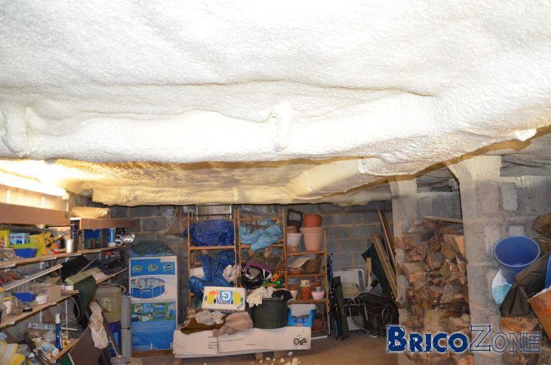 isolation de la coulisse et du plafond de la cave. Black Bedroom Furniture Sets. Home Design Ideas