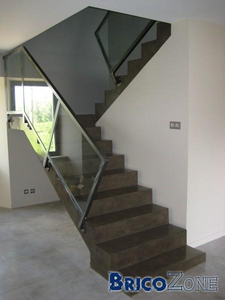 refaire escalier en beton. Black Bedroom Furniture Sets. Home Design Ideas