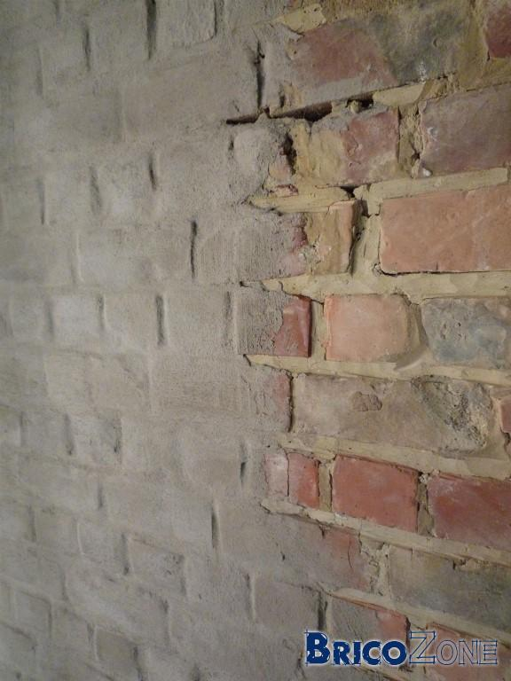 déjointoyer des murs intérieurs