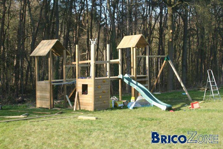 Jeux de jardin en bois (portiques, tours, balançoires,...)