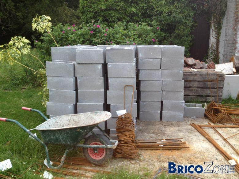 Autoconstruction piscine en blocs bancher 8x4m fin p6 forums for Autoconstruction piscine beton