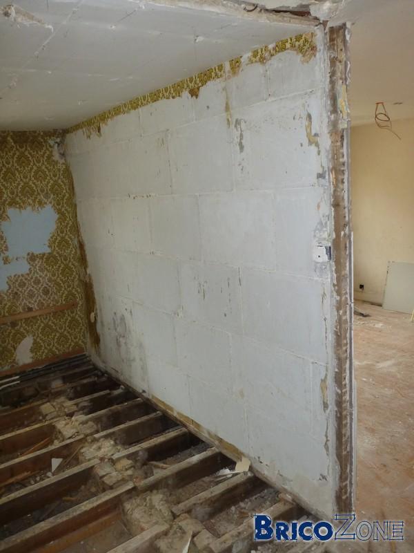 Cloison en b ton cellulaire 5cm entre salle de bain et chambre - Faire un mur en beton cellulaire ...