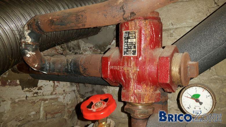 eau chaude dans circuit radiateur quand chaudière est en mode été