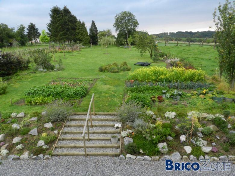 habillage talus ceanothe talus couvresol avant escalier jardin magnifique talus fleuri. Black Bedroom Furniture Sets. Home Design Ideas