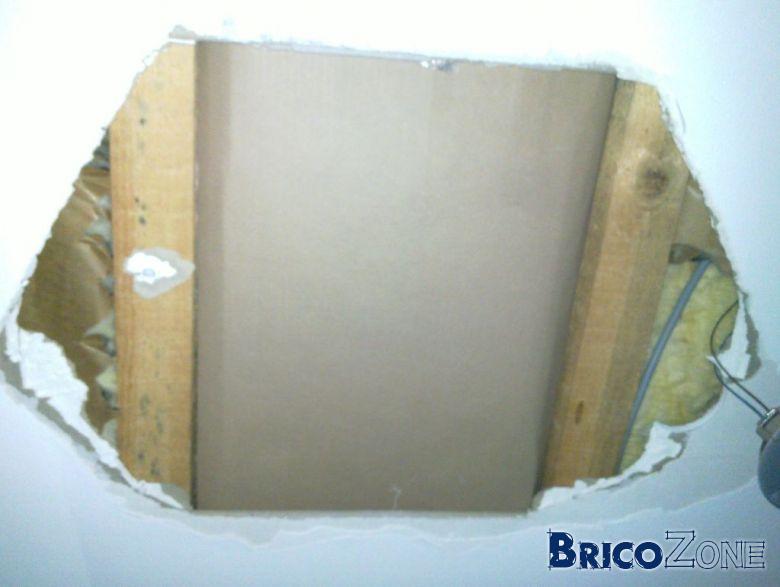 R parer trou au plafond - Comment reboucher un trou dans le plafond ...