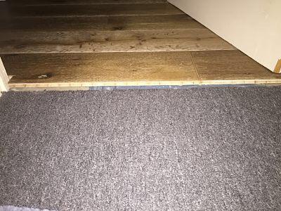 pose de parquet sur tapis plein possible. Black Bedroom Furniture Sets. Home Design Ideas