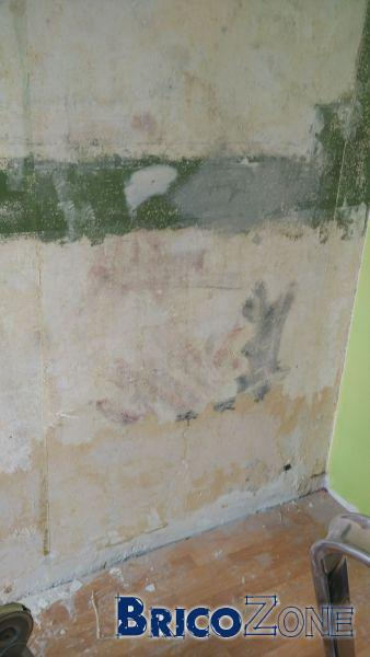 fibre de verre et saignée dans le mur