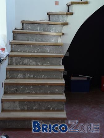 Recouvrir un escalier b ton avec du bois for Peinture pour escalier en beton