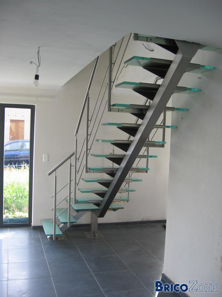 escalier eclairage des marches page 2. Black Bedroom Furniture Sets. Home Design Ideas