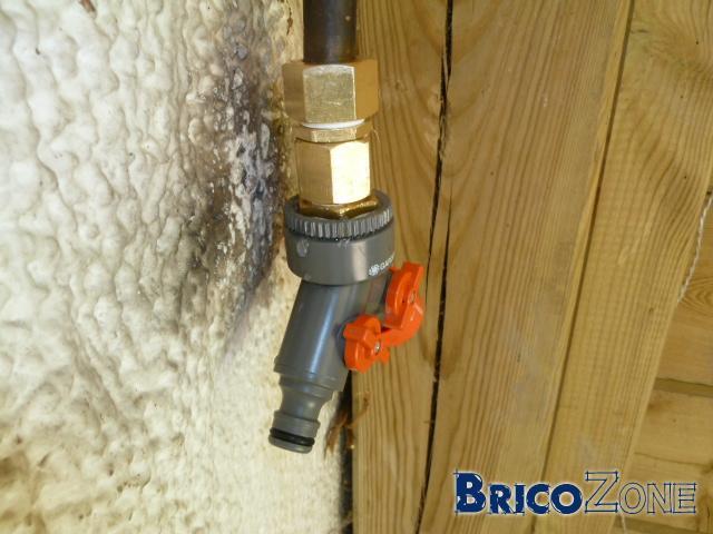 Fuite connexion robinet PVC et mamelon laiton