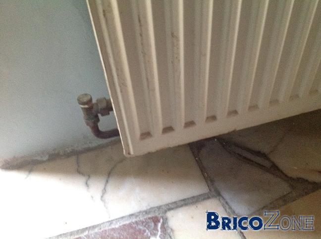 Remplacement d'une vanne thermostatique sur un radiateur
