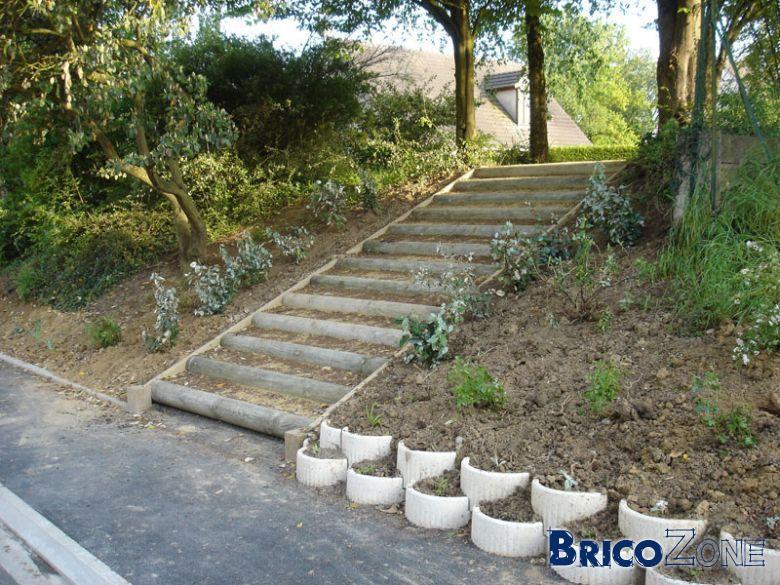 Retenue terre for Rondin de bois pour escalier exterieur