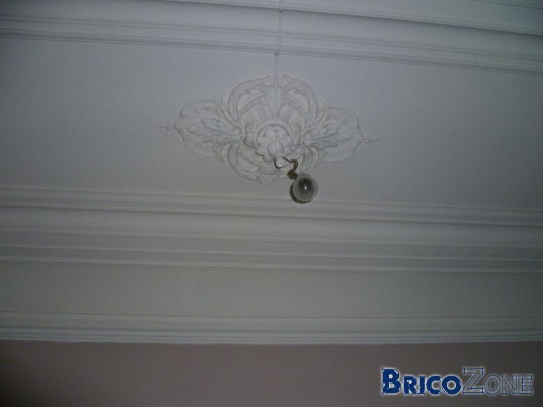 ragr er un plafond moulur. Black Bedroom Furniture Sets. Home Design Ideas