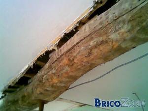 comment faire raccord plafond et poutre