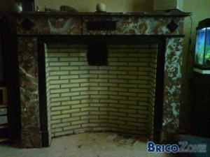 Insert � bois dans une vielle chemin�e d'un premier �tage