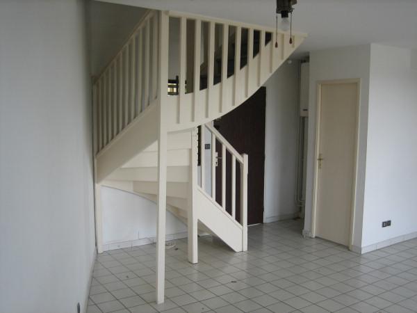 perdre pas mal de la place que je souhaite utiliser sous cet escalier