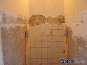 Est-ce possible de plafonner sur un mur peint?