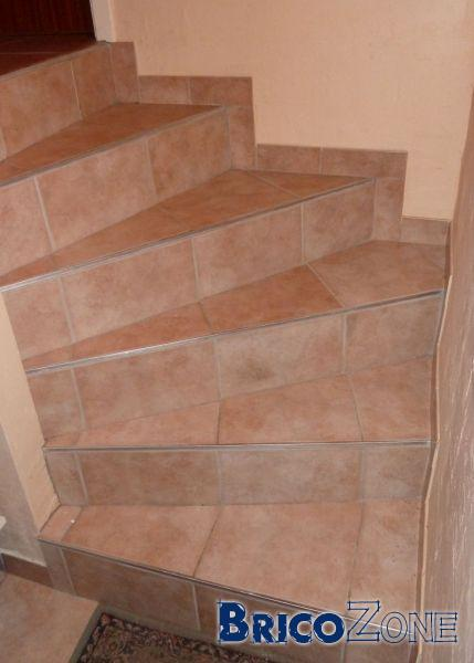 Carreler un escalier for Pose carrelage escalier tournant