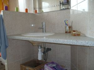 Id e meuble de salle de bain - Plan de travail salle de bain ikea ...