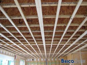 fixation lattage bois au plafond pour gyproc