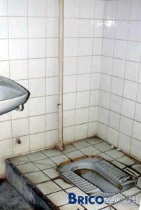 eau chaude dans chasse wc